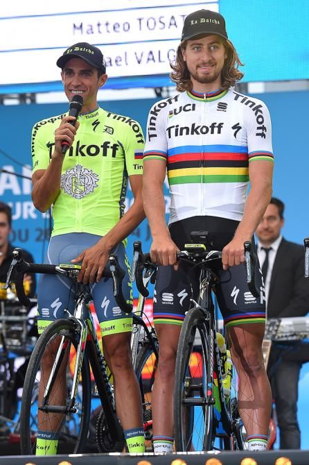 Alberto Contador introduces teammate Peter Sagan to the crowd Presentation TDF2016 (Getty Images Sport)