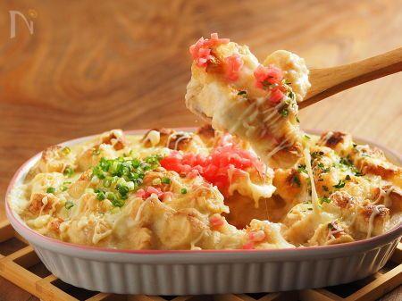 お麩と言えば一般的な焼き麩は汁物の具材としてとても便利。ですが他の料理にどう使う?そう聞かれたら「う~ん・・・」と唸っちゃうでしょう。このレシピは山芋グラタンの具材に焼き麩を使います。焼き麩が長いもすりおろしの水分を吸ってふわふわになり、美味しく食べられます。  http://dt125kazuo.blog22.fc2.com/blog-entry-3778.html