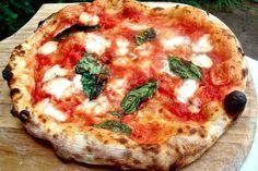 Masa Para Pizza y Pizza Casera de Tomate y Mozzarella