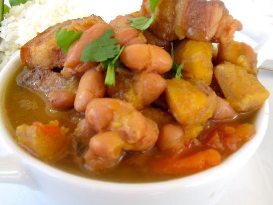 Frijoles con Chicharron o Garra (Bean Stew with Pork Belly)