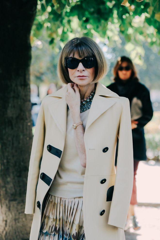 Anna Wintour in Louis Vuitton coat, Valentino skirt - Street looks à la Fashion Week printemps-été 2016 de Paris