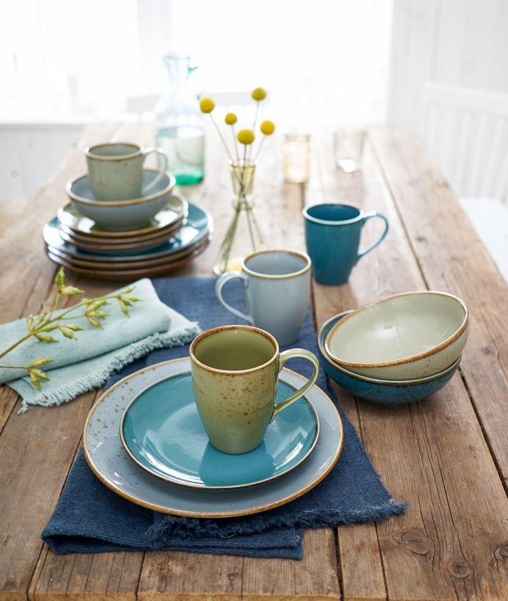 Ein Geschirr in frischen Blautönen - so sieht der gedeckte Tisch nie langweilig aus!