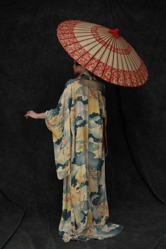 Vintage Silk Japanese Kimono . 1950s . Mid Century . Sky Blue