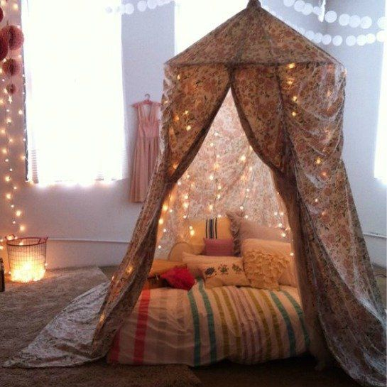Not Only Are These Fantastic Forts Great For Kids, Sneak Into It After Everyone Has Gone to Sleep For Fun (just grab a glass of wine and relax)