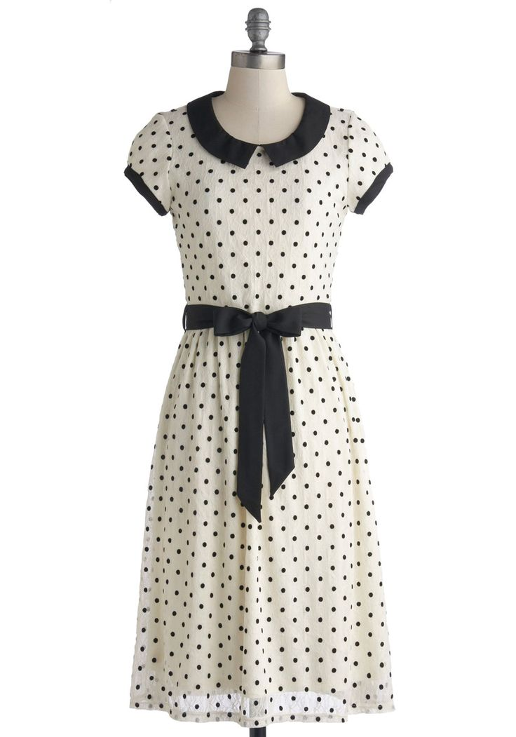 Black collar on a polka-dot dress Winsome Weekend Dress, #ModCloth Cute black collar, trim, and sash.