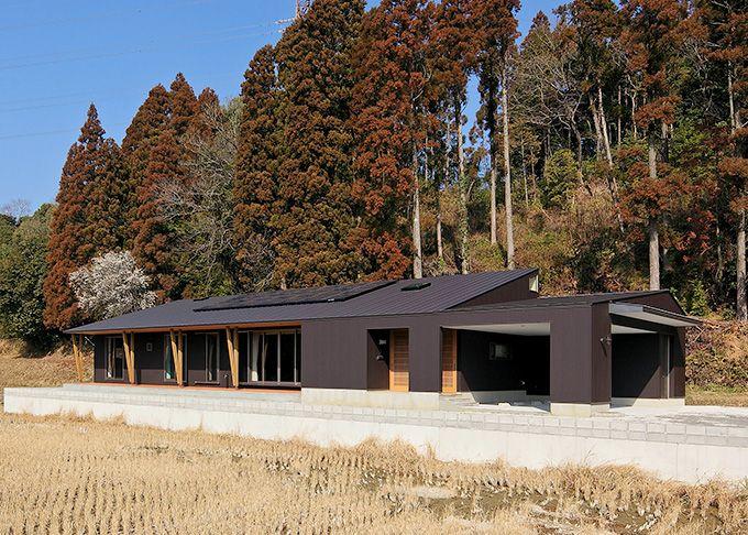 この写真「外観-1」はfeve casa の参加建築家「ひばり野辰郎/ing環境設計室」が設計した「北川内の平屋」写真です。「モダン,ナチュラル,ラグジュアリー,黒系」に関連する写真です。「和風・和モダンな住宅 」カテゴリーに投稿されています。
