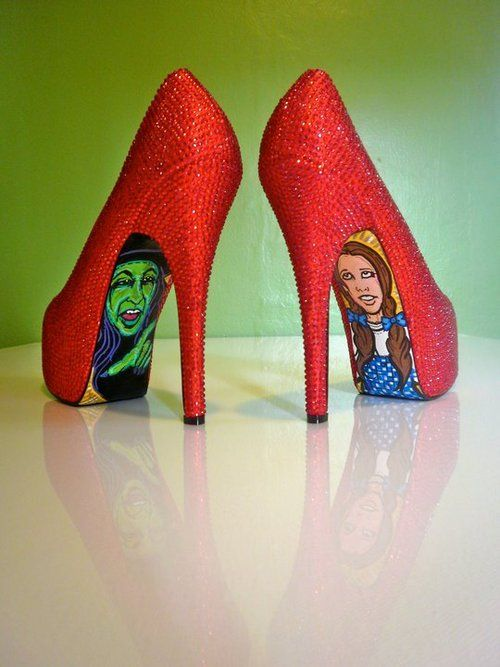 Love these Dorothy red shoes with the Wizard of Oz characters! I want these.