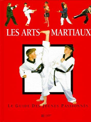 Après un chapitre consacré à l'échauffement qui rappelle aux lecteurs qu'il s'agit d'une pratique indispensable quel que soit le sport pratiqué, les principaux arts martiaux sont expliqués grâce à de nombreuses illustrations.