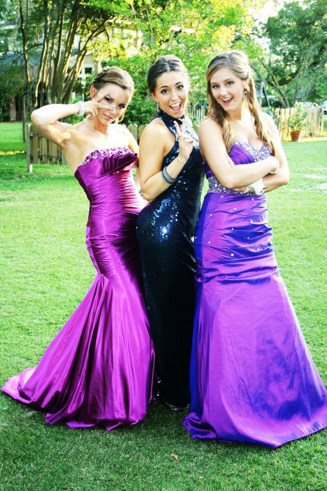 Friends At Prom Dresses Fashion Style And Trends