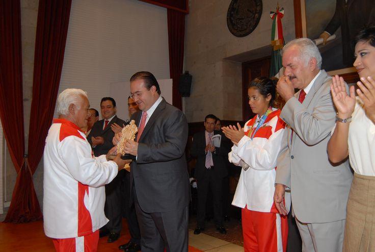Entrega el Gobernador Javier Duarte de Ochoa, el Premio Estatal del Deporte 2011.