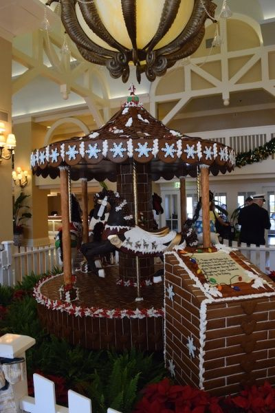 Virtual tour of the Christmas decorations found at many of the Walt Disney World Resort hotels.