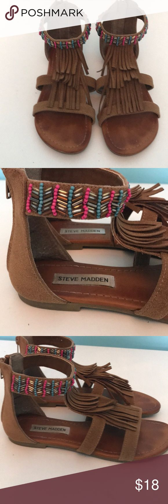 Steve Madden Kids Shoes Adorable used Steve Madden Kids shoes in size 5 Brown suede fringe with beading detail. Steve Madden Shoes Sandals & Flip Flops