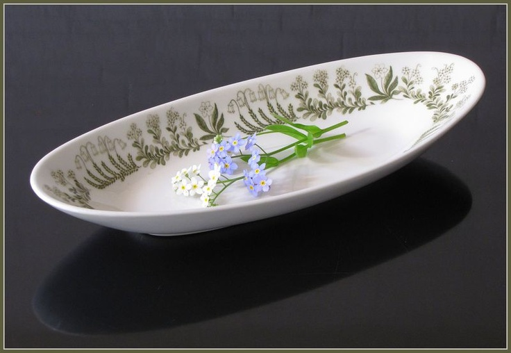Arabia POLARIS herring plate, designed by Raija Uosikkinen.
