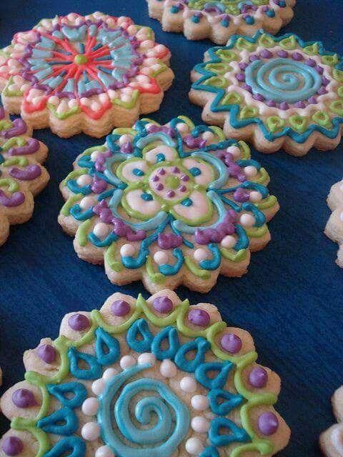 Cookies em forma de mandala.