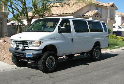Vin 1fbjs31l2vha33698 Ford Club Wagon Lifted 4x4 Van