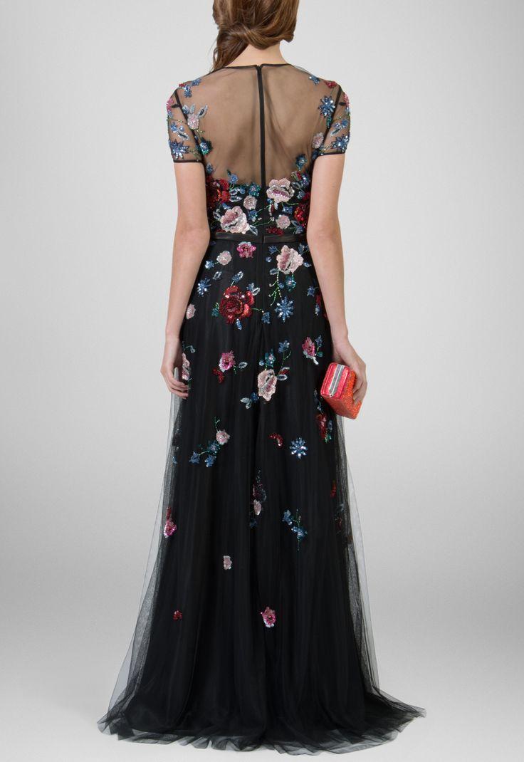 Vestido longo todo bordado em flores no tule preto Powerlook - powerlook