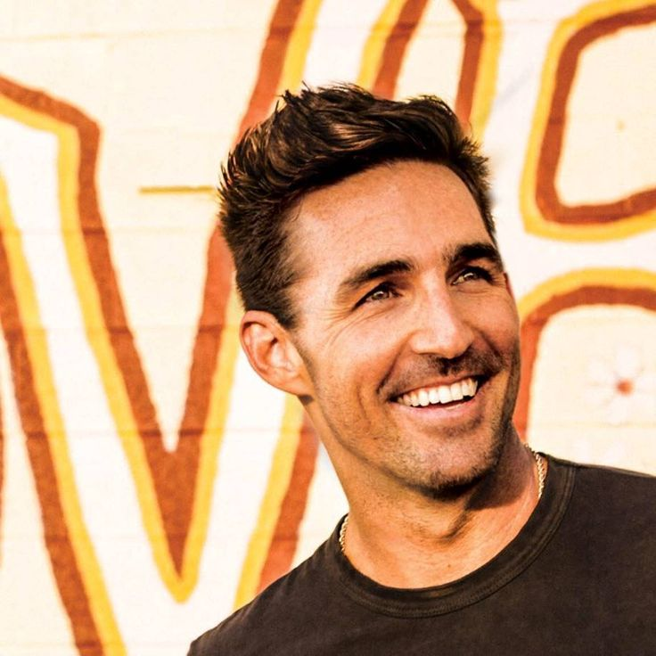 Jake Owen delivers another summer anthem!