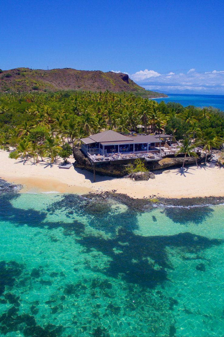 9 Gorgeous All-Inclusive Resorts in Fiji - Fiji is out there: the 330-so-odd islands that make up this South Pacific archipelago are 1,100 nautical miles from the nearest large landmass (New Zealand), and just a third of them are inhabited. This is the definition of tropical paradise—a honeymooner's utopia of palm-fringed islands and luxury resorts. If you're looking for a worry-free getaway, these 9 all-inclusive resorts deliver. #LuxuryResorts