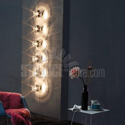 Vistosi Damasco  lampada da parete/soffitto, tonalità del vetro: bianco, nero, cristallo, topazio trasparente. Parti metalliche: nickel satinato. Disponibile in diversi modelli.