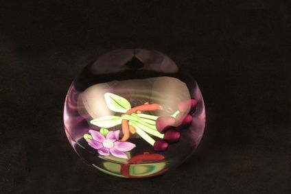 How to Set a Fresh Flower in Resin - good Christmas ornament to make with the flowers from your wedding to preserve the memories! - preserved flowers