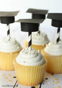 Darling DIY Graduation Cap Cupcake toppers!