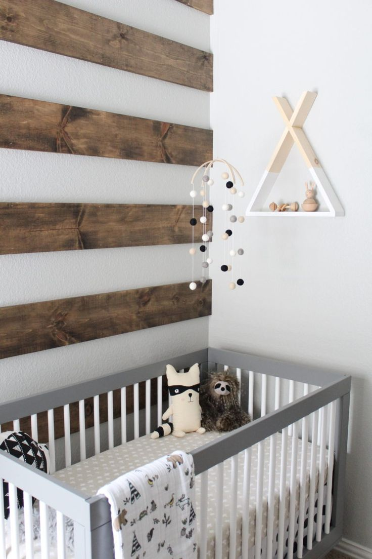 We love the fresh take on a pallet wall - mixing it with white makes it look so light!