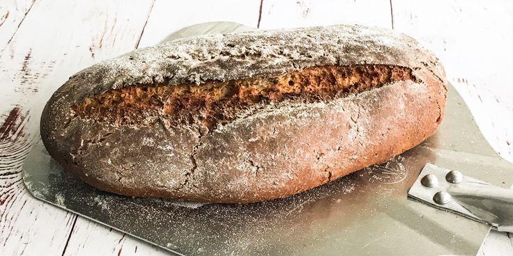 Lækkert klassisk fransk bondebrød - https://foodgeek.dk/da/laekkert-klassisk-fransk-bondebrod/