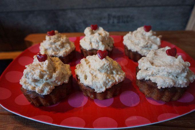 Entdecke mein DIY-Rezept für Erdnussbutter-Schoko Cupcakes auf meinem Foodblog aus Köln. Einfach & schnell zubereitet. Inklusive toller Fotos & Anleitung.