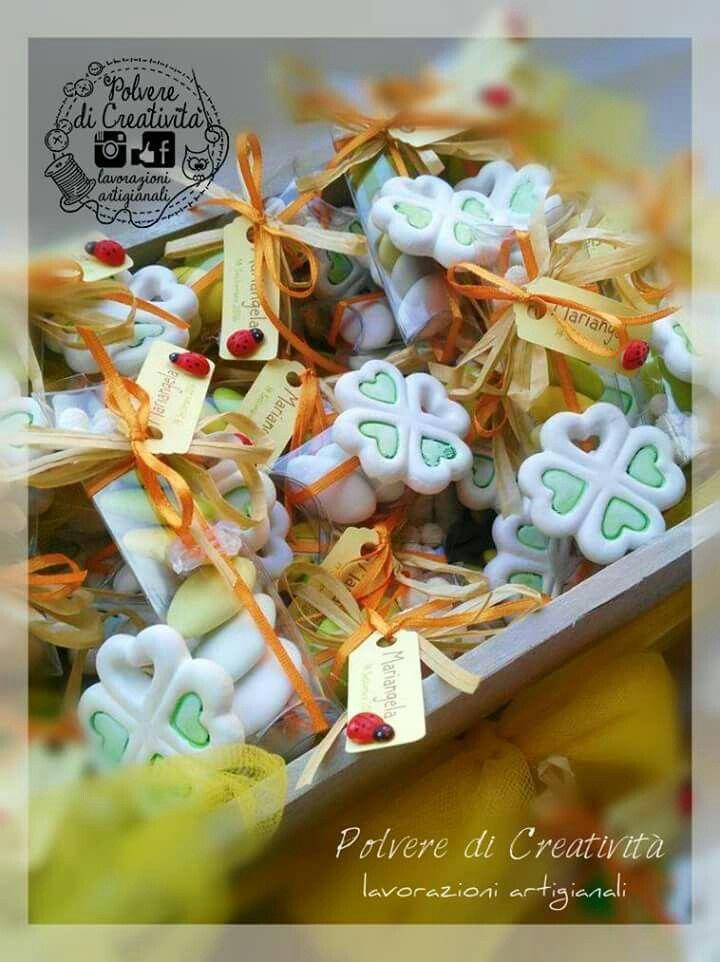 Bomboniere handmade per il diciottesimo compleanno Mariangela  Gessetto quadrifoglio e cascata di confetti coloratissimi  #handmade #bomboniera #compleanno #gessetti #gessettiprofumati #portafortuna #napoli