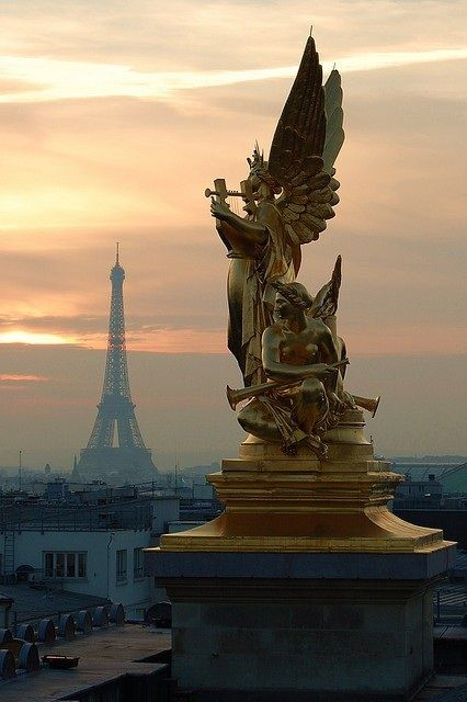 Beautiful photograph of the Eiffel Tower and the Angels.