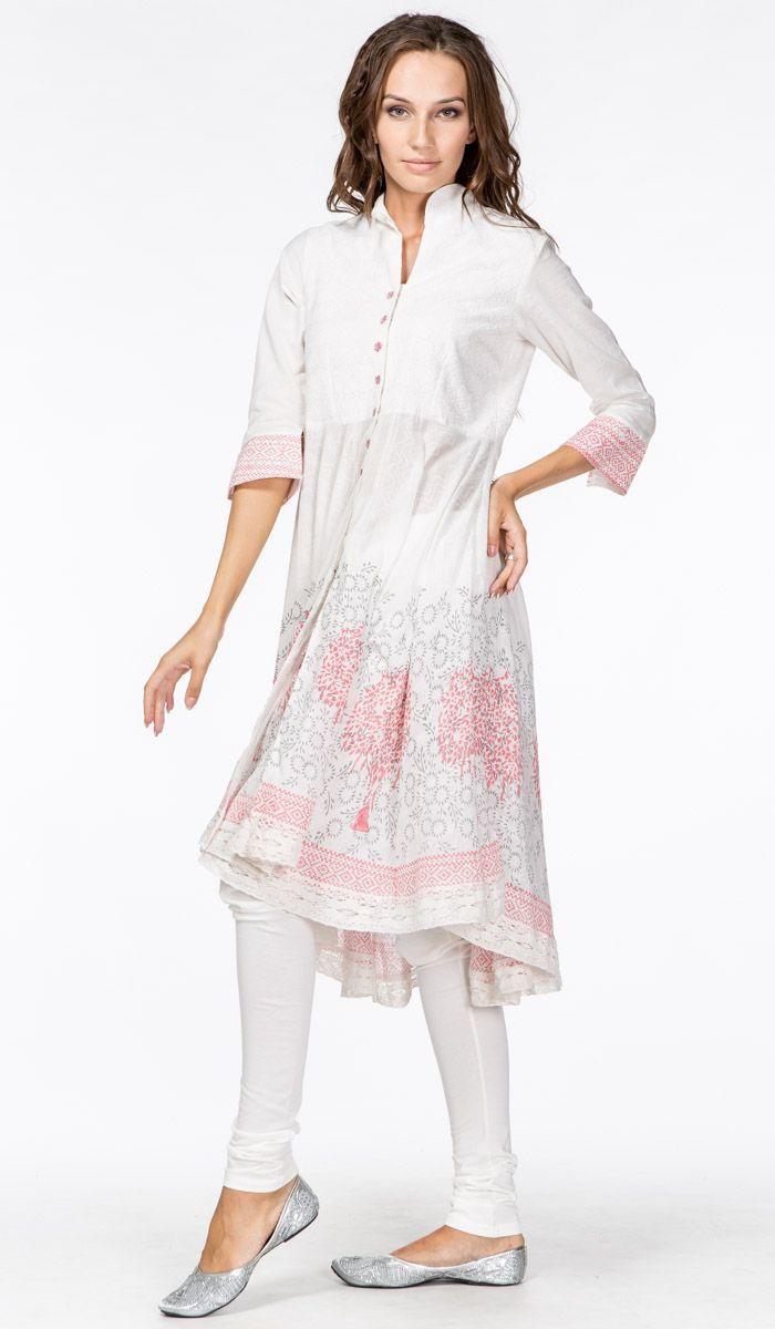http://indiastyle.ru/products/pandzhabi-nezhnyj-briz Тонкий легчайший белый хлопок с вышивкой и кружевами ручной работы. Белое панджаби, сальвар камиз, индийская этническая одежда.  White salwar kameez, boho india clothing 21 720 рублей