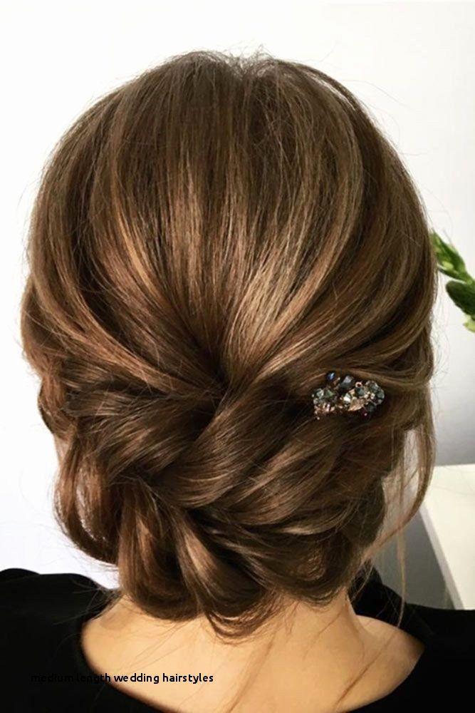 16++ Bridesmaid hairstyles for medium length hair ideas