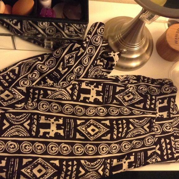 Tribal Aztec pant Tribal Aztec pant. Gently loved but no flaws. Juniors XL. Charlotte Russe Pants