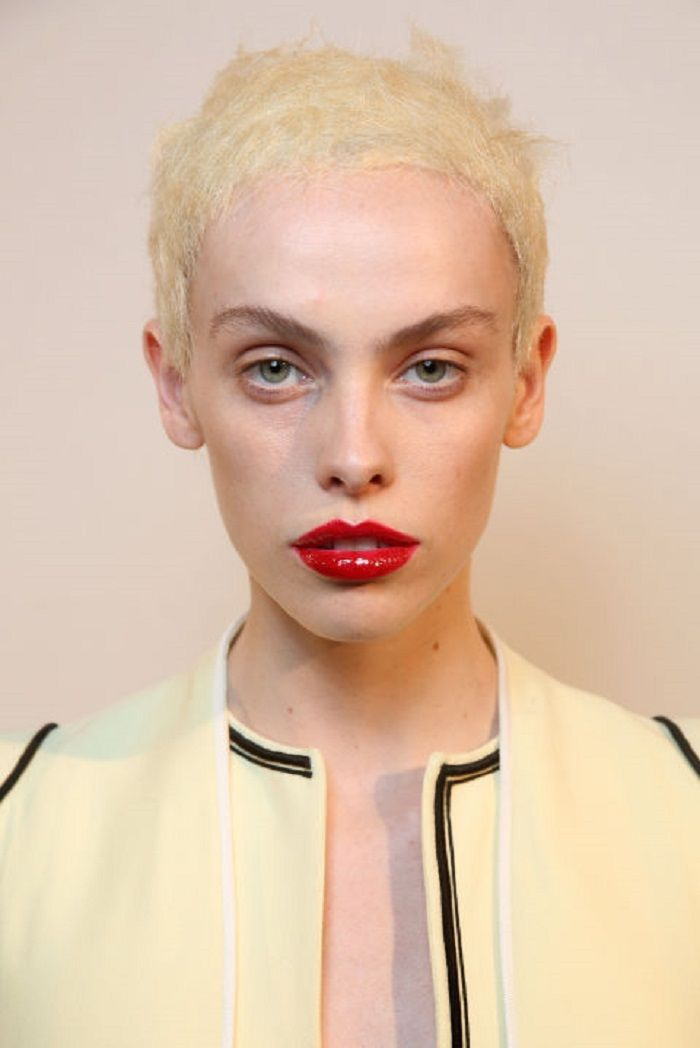 Best of Beauty From SS 2018 PWF red lipstick blonde short hair