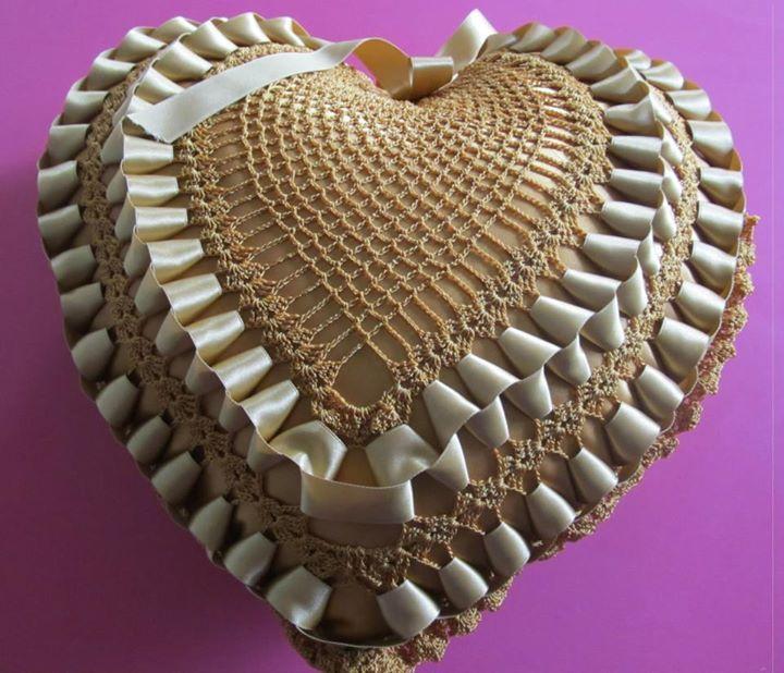 Almohada corazon a crochet