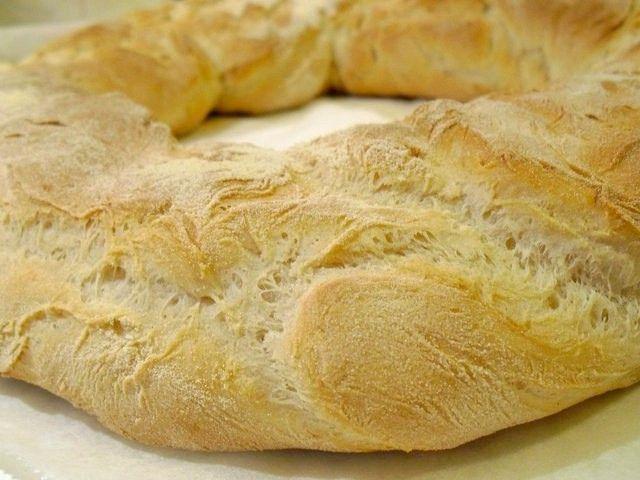 Se vuoi provare un pane soffice dentro, con una bella crosta all'esterno, devi fare questo pane patate Bimby.