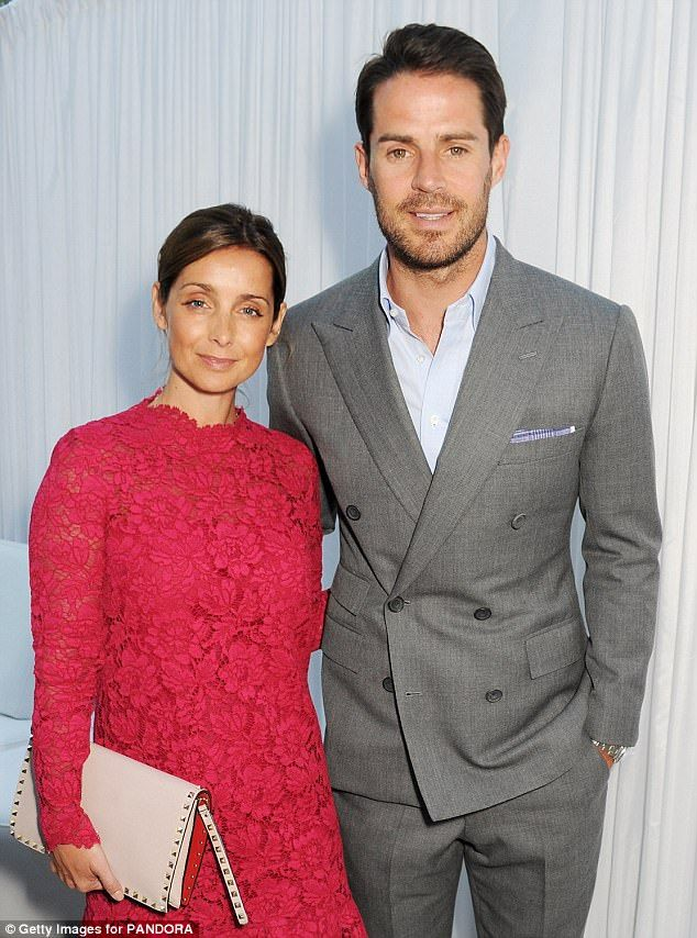 Black #Cosmopolitan Louise and Jamie Redknapp 'to DIVORCE in just hours'   #BritishMusicians, #Divorce, #Entertainment, #KevinClifton, #LouiseRedknapp, #PerformingArts, #Redknapp, #StrictlyComeDancing         Louise and Jamie Redknapp are to divorce today, it has been reported.     The couple are expected to be granted a decree nisi at the Central Family Court in London that will formally begin the dissolution of their 19-year marriage, according to The Sun. The forme