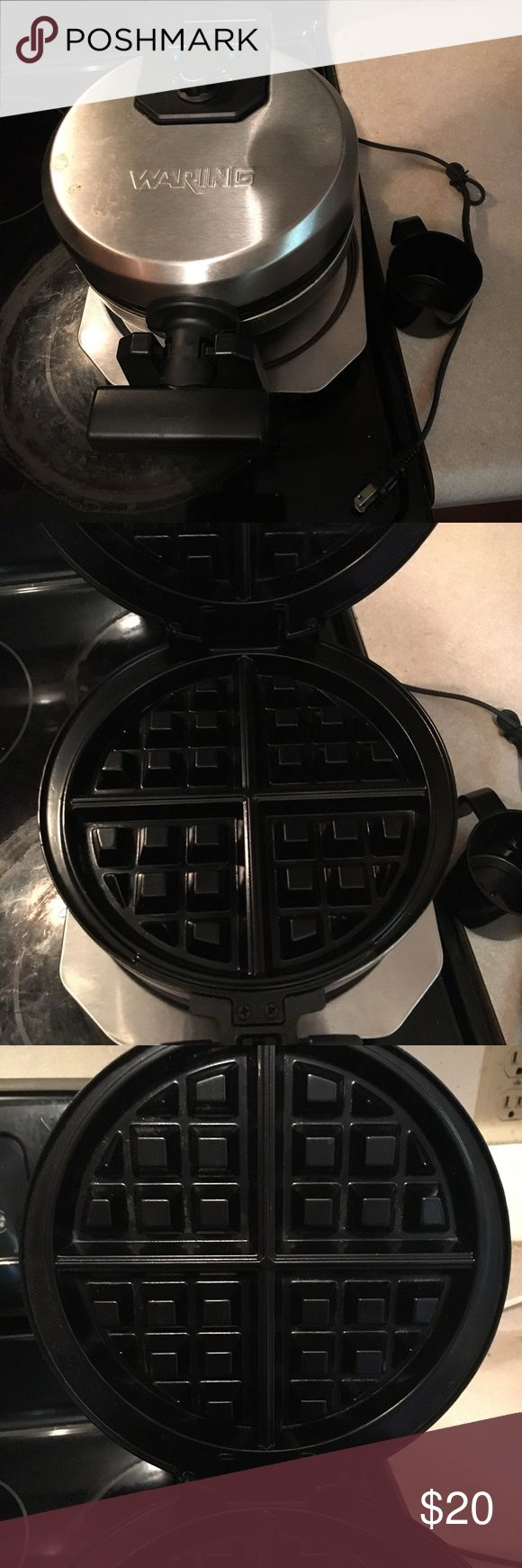 Waring Belgian Waffle Maker Great waffle maker!! Hardly used! Comes with batter catcher and a batter pourer. It is one that you flip. Makes thick waffles! Waring Accessories