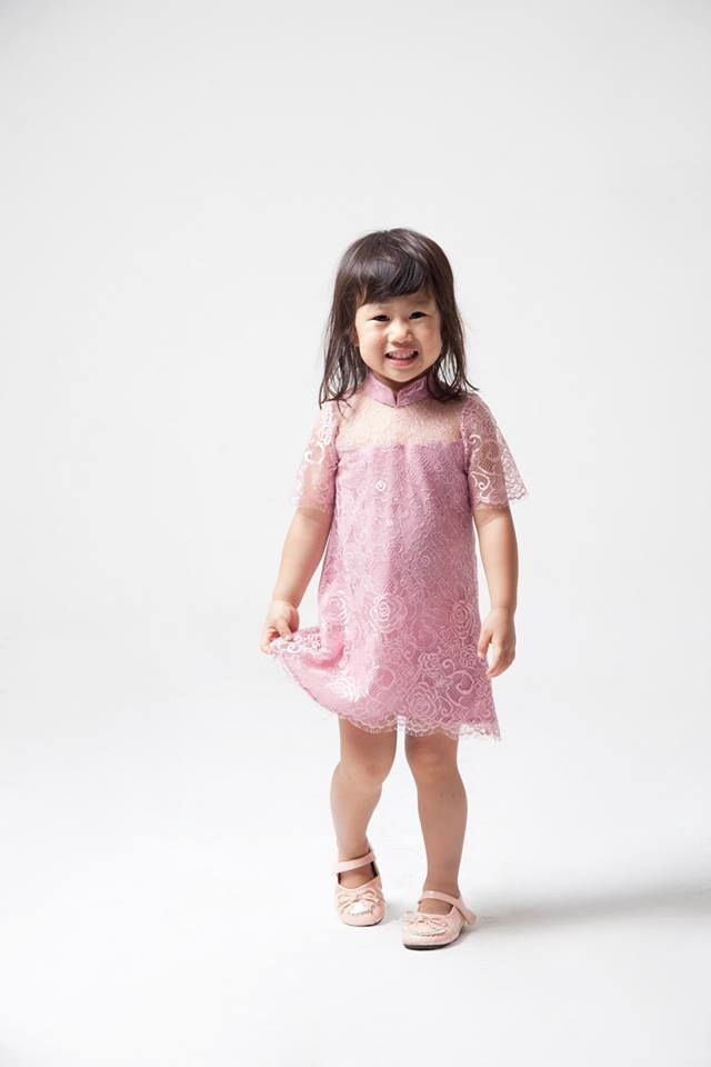 Put on Maddy Lacey Drew Dress to your little princess and bring out the sunshine in her.  We have matching adult blouse! Please check out our Sofia Tops.  Price: IDR 350,000 Size: XS-XXL  For custom sizing and to order please email us at nmayinda@gmail.com or Whatsapp us at 08111047891.