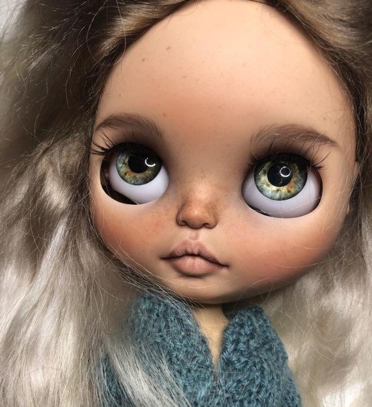 Niki••ooak custom blythe doll with mohair weft hair