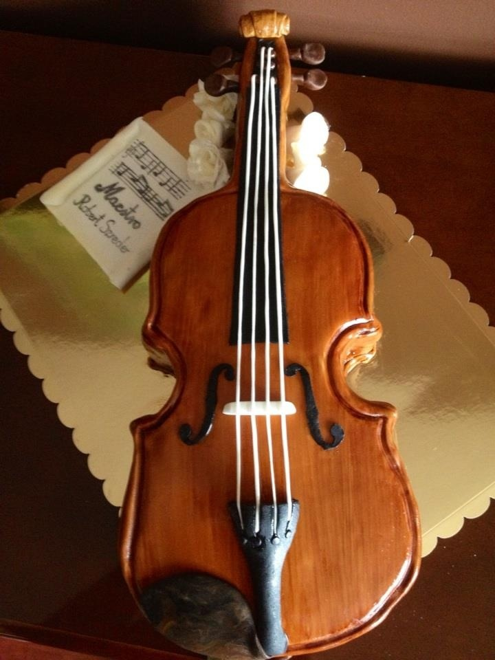 Best 25 violin cake ideas on pinterest piano cakes for Violin decorating ideas