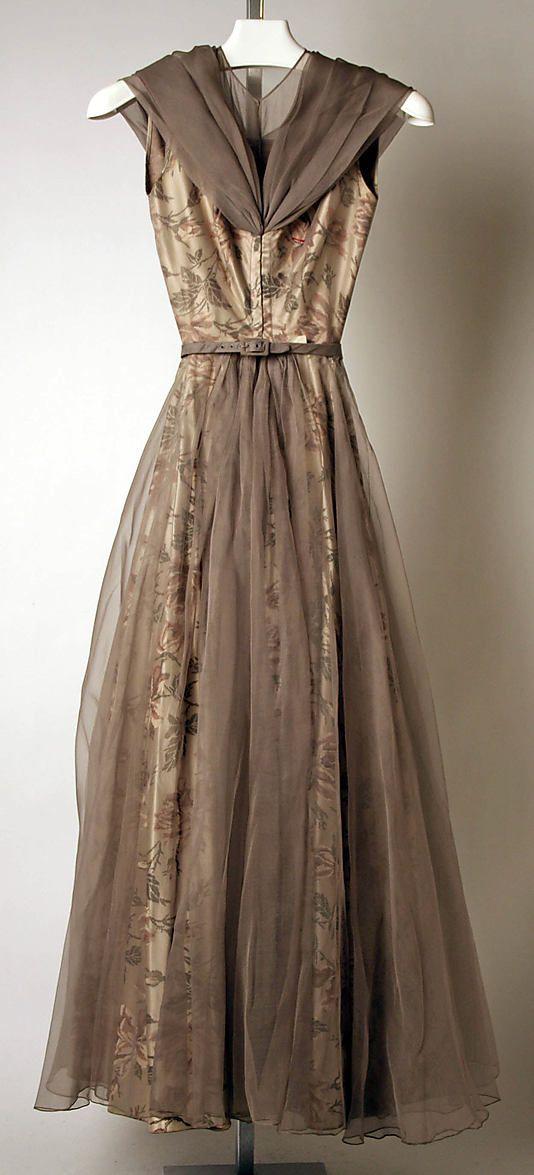 Back of Madame Gres evening Dress (1953) -- belongs to the Metropolitan Museum of Art