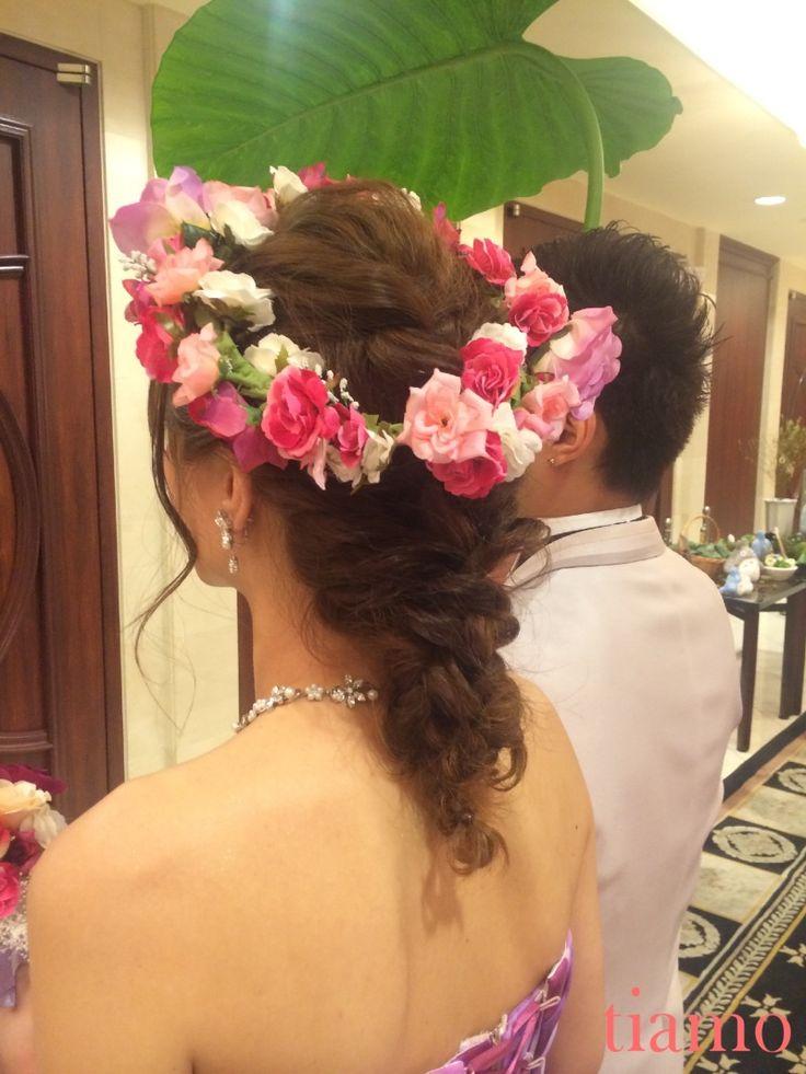 ティアラから花かんむりへ♡ゆる編み2スタイルご新婦様 |大人可愛いブライダルヘアメイク『tiamo』の結婚カタログ