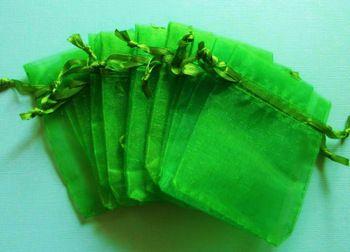 gratis verzending, 50pcs/lot smaragdgroen organza zakjes 17x23 bruiloft gunst gift bag sieraden zakjes