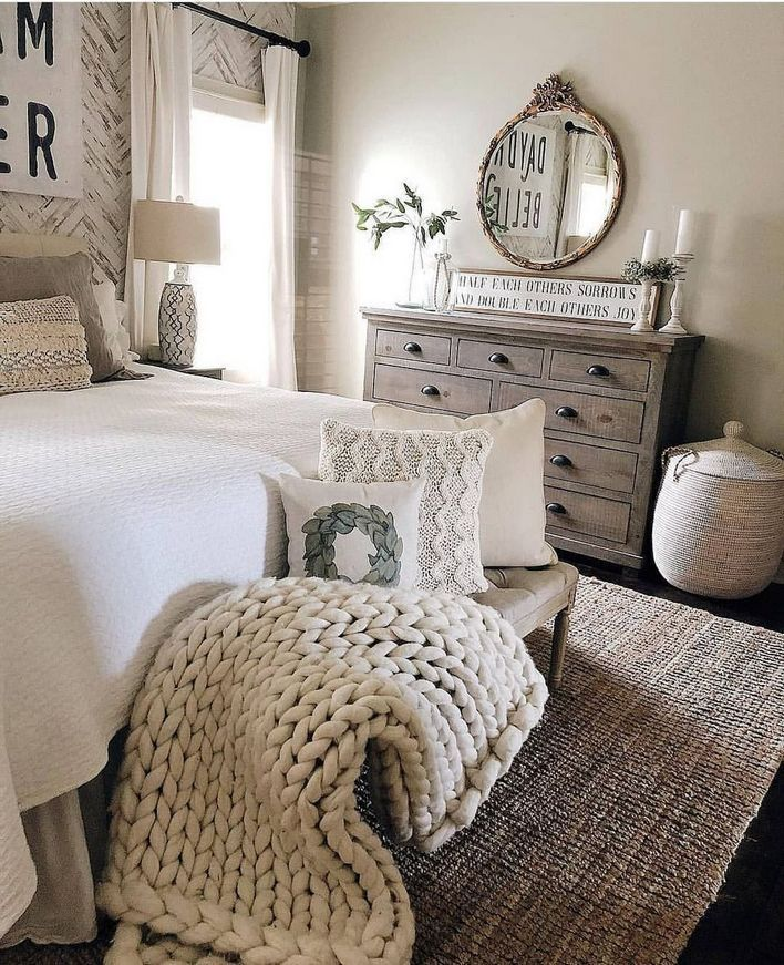 92 Fabulous Modern Farmhouse Queen Bed Decorating Ideas 2 In 2020 Farmhouse Style Master Bedroom Master Bedroom Diy Vintage Bedroom Decor