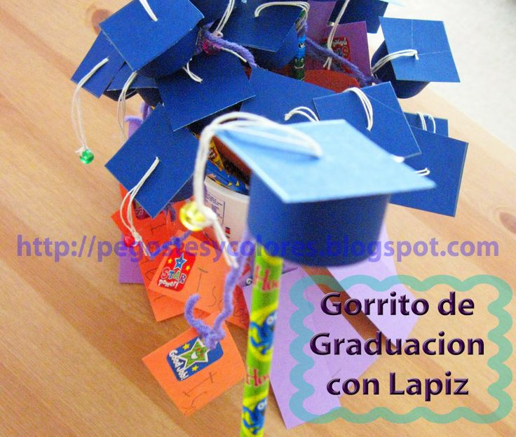 Mini Graduation cap with a pencil - Mini Birrete de graduacion con lapiz