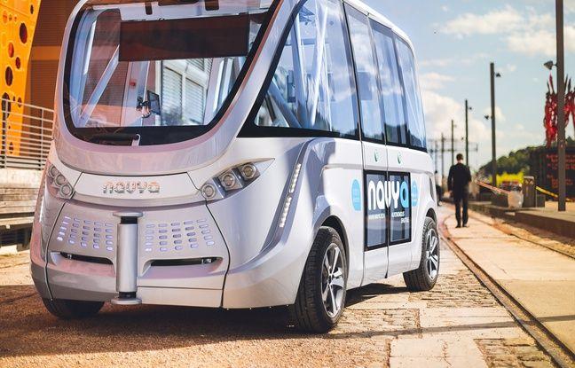 Navette électrique autonome. Intermodalité. Alternative de transport hors des voies de circulation pour les salariés d'entreprise. Transport relais du tramway.
