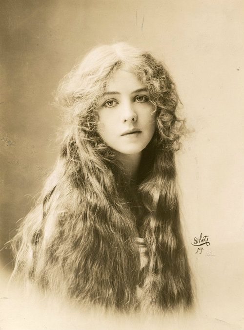 Edwardian portrait- Ione Bright (stage actress), 1912.
