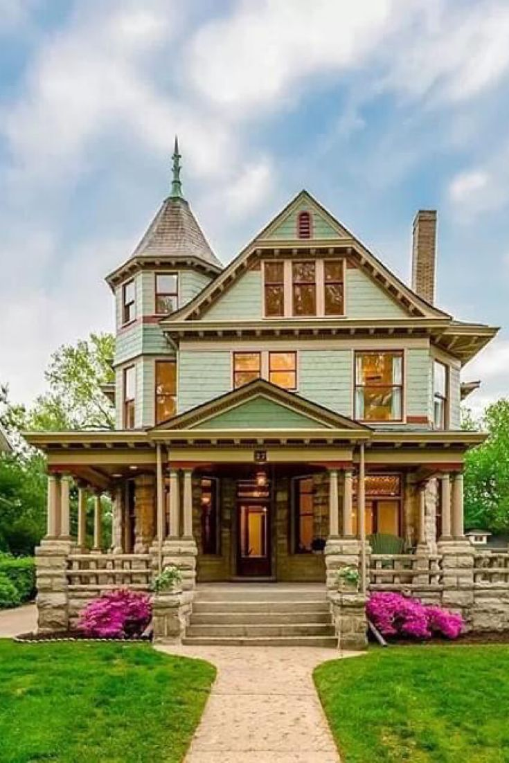 1897 Victorian In Kansas City Missouri Captivating Houses In 2020 Beach House Exterior Contemporary Architecture House City House
