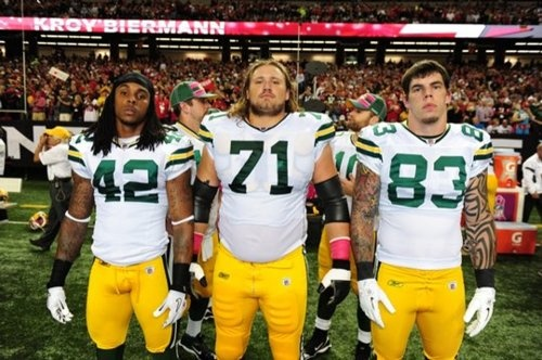 and what's even better than an aaron rodgers photobomb? an aaron rodgers + matt flynn photo bomb